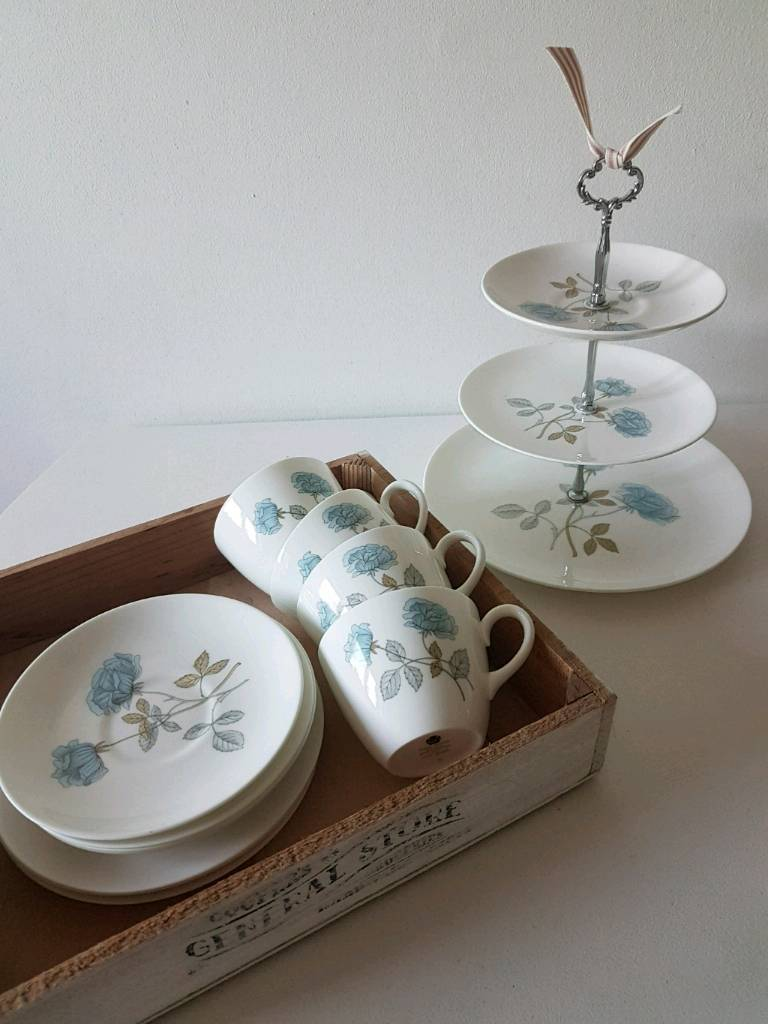 Giant 81 Piece Vintage Floral Afternoon Tea Party Tableware Set Cups /& Saucers
