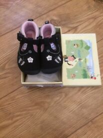 Startrite navy girls shoes bnwb size 10 eur 28