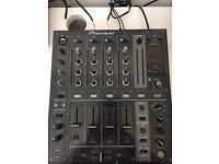 Pioneer DJM 700 Mixer