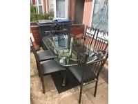 Lovely dining set with 6 chairs good condition
