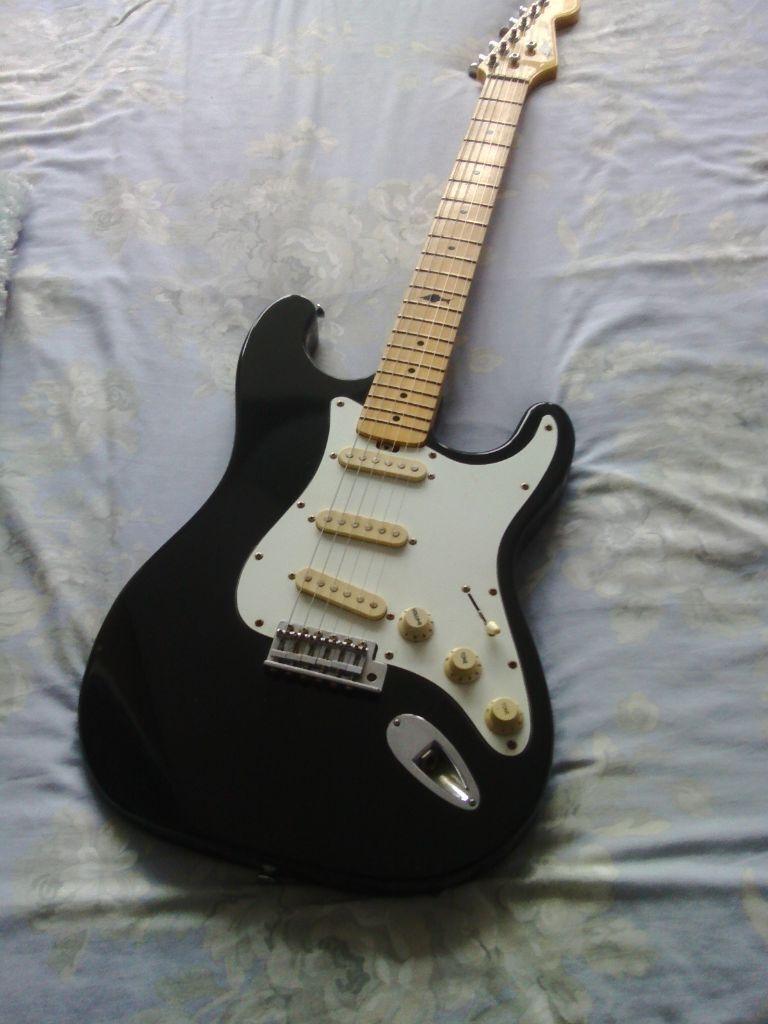 Vintage Marlin Slammer Electric Guitar In Ipswich