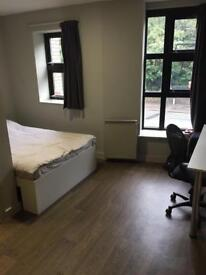 DOUBLE EN-SUITE BEDROOM AVAILABLE NOW IN HEART OF FALLOWFIELD (STUDENTS ONLY)