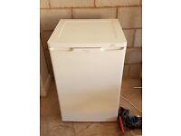 Frigidaire FVE3803A Freezer