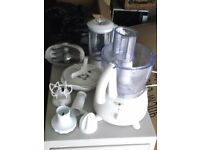 Kenwood FP480 Food Processor and Accessories