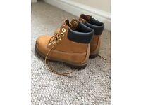 Children's Timberland boots sized 8.5