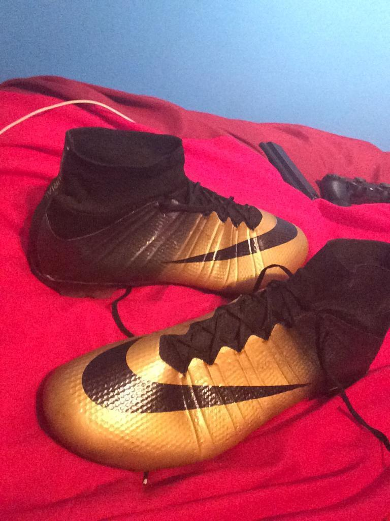 Cr7 gold and black sock boots