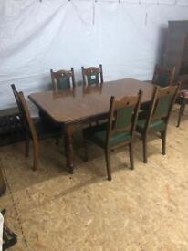 Oak Wind-Out Dining Table w/ 6 Chairs