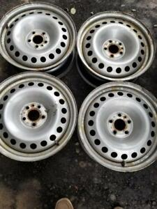 FIAT 500 L 16 INCH OEM STEEL WHEEL SET OF FOUR.