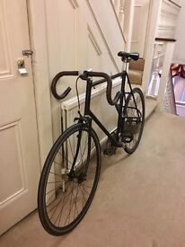 Great looking single gear bike. Great condition with ABUS Lock Granit Plus Black