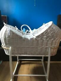 Cocoon Moses basket and rocking stand