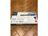 New Blu-ray Disc / DVD Player BDP-S380