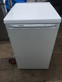 **BOSCH**UNDERCOUNTER FREEZER**EXCELLENT CONDITION**COLLECTION\DELIVERY**NO OFFERS**ONLY 1 YEAR OLD*