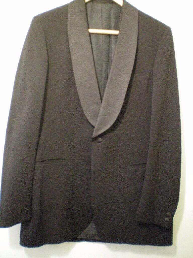 Gent's Evening Suit, Aquascutum DJ jacket and trousers. Tall man's 42 chest, 36 waist, 34 leg, vgc.
