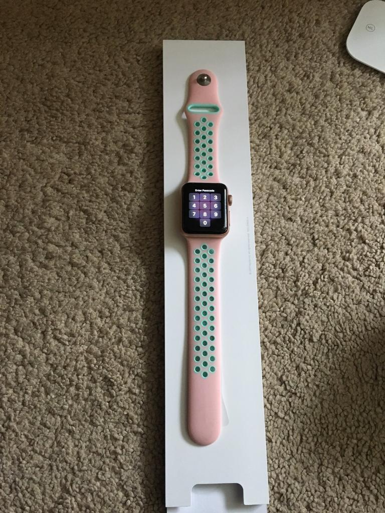 Apple series 3 Iwatch in rose gold 38mm
