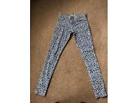 Almost new size 8 woman's topshop Jeans