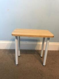 Beech Top SMALL Table with Metal Legs H17in/44cm W18in/46cm D11in/28cm Good condition R393