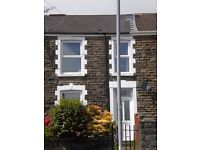 Double room available in 3 bed house with views of bay and Mumbles pier from sitting room and garden