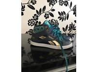 Girls UK 12.5, limited edition Anna (from frozen) Reebok trainers