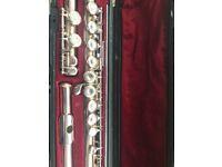 Yamaha 211 s2 flute good condition