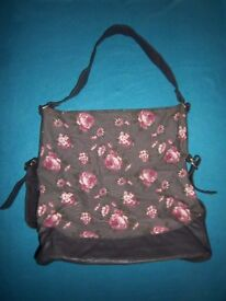 Floral Fabric Handbag IP1