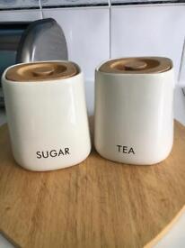 Tea and sugar ceramic pots holders