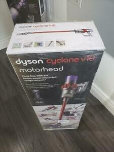 STORE SALE - Dyson cyclone v10 Motorhead Brand New In Box & Sealed FULL WARRANTY