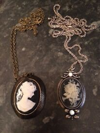 2x pendants and chains