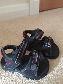 Infant shoe size. Nike sandals Size 4