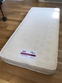 Pocket spring memory foam mattress (single)