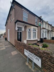 Large two bedroom First Floor Flat, large two double bedroom, large living room