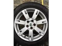 19 in Alloy wheel from a Land Rover Discovery4 HSE