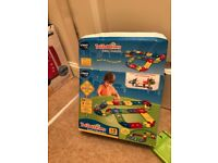 Toot toot drivers deluxe track set from vtech & 2 vehicles
