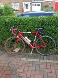 Trek 1200 Road Racing Bike Cycle - 14/18 speeds