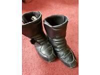alpinestar short motorcycle boots size 9