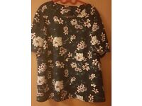 Size 20 flowery top
