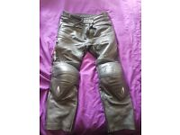richa motorcycle trousers size 54