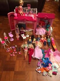 HUGE BARBIE / OTHER DOLL BUNDLE WITH VACATION HOUSE AND MORE!