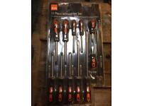 11 brand new B&Q screwdrivers, still in packaging! BNIB