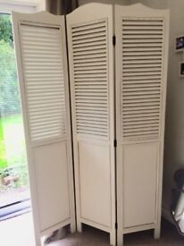 3 Panel Screen / Room Divider in Vintage Lime White