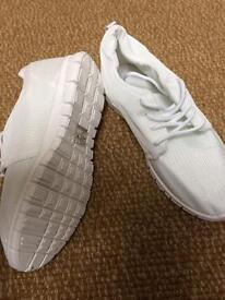 White size 6 lightweight trainers