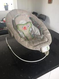 Baby bouncer with vibration and melody