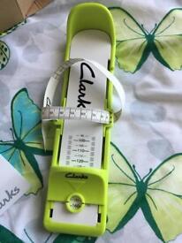Clarks toddler foot measuring gauge