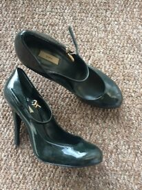 ZARA green, patent leather heels, size 6 1/2 BARELY USED