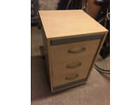 Small bedside cabinet (3 drawers)