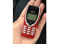 ORIGINAL NOKIA 8210 MOBILE PHONE - RED - LOCKED - CLASSIC RETRO SAMPLE!