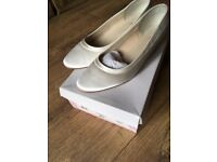 Pink by Paradox Bea unworn shoes size 9