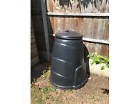 Garden compost bin