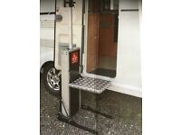 PERSONAL POWER STEP FOR ACCESS TO HOME OR CARAVAN/MOTORHOME