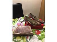 Ladies Shoes & Matching Handbag