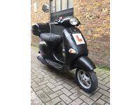 Vespa et4 125cc Black - £550